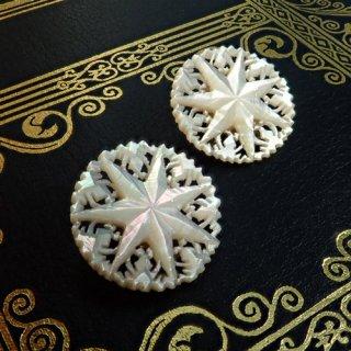 【 Andart 】 ベツレヘムの星 マザーオブパール(白蝶貝)のイヤリング