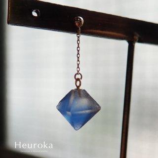 【 Heuroka 】ブルーフローライトのピアス( シングル )
