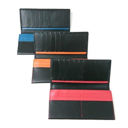 【アウトレット/型押しコンビ】キズが着きにくい革に、しっくりと馴染む差し色がスタイリッシュ カブセ長財布