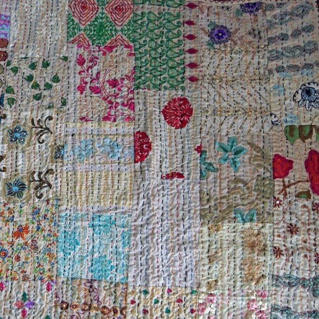 インド 刺繍 パッチワーク  刺し子 ベッドカバー ベージュ&ホワイト系