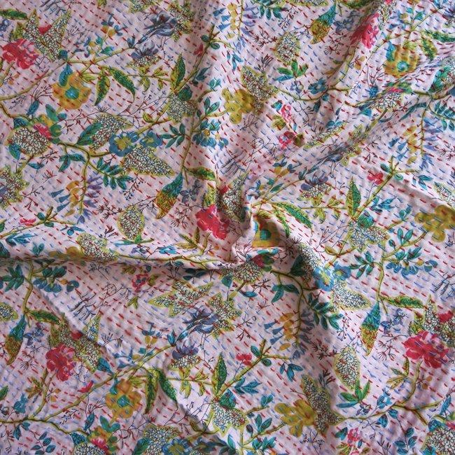 刺し子 ベッドカバー フラワー 薄ピンク