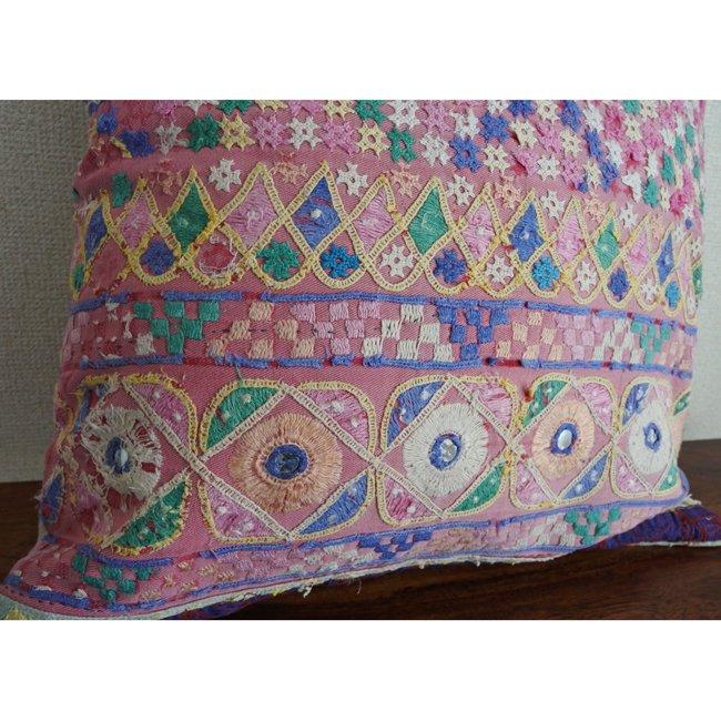 ラバリ族 刺繍 クッションカバー  2サイズ