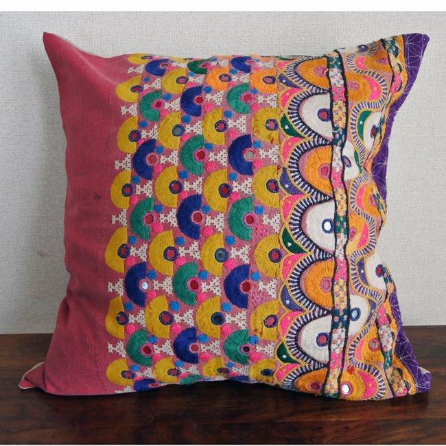 ラバリ族 刺繍 クッションカバー  50×50cm no2