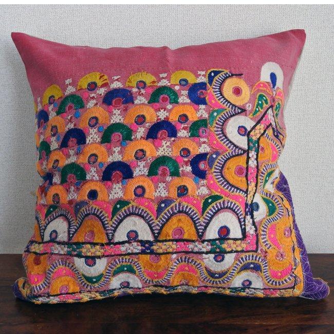 ラバリ族 刺繍 クッションカバー  50×50cm no3