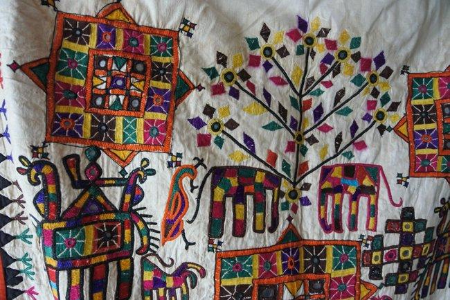 ラバリ族 ヴィンテージ刺繍 壁掛け A