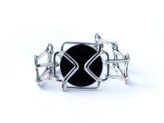 <img class='new_mark_img1' src='https://img.shop-pro.jp/img/new/icons8.gif' style='border:none;display:inline;margin:0px;padding:0px;width:auto;' />Black belt bracelet