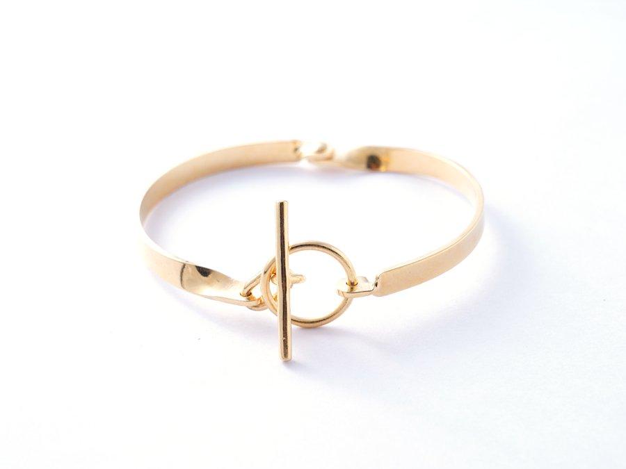 <img class='new_mark_img1' src='https://img.shop-pro.jp/img/new/icons8.gif' style='border:none;display:inline;margin:0px;padding:0px;width:auto;' />Brass bracelet