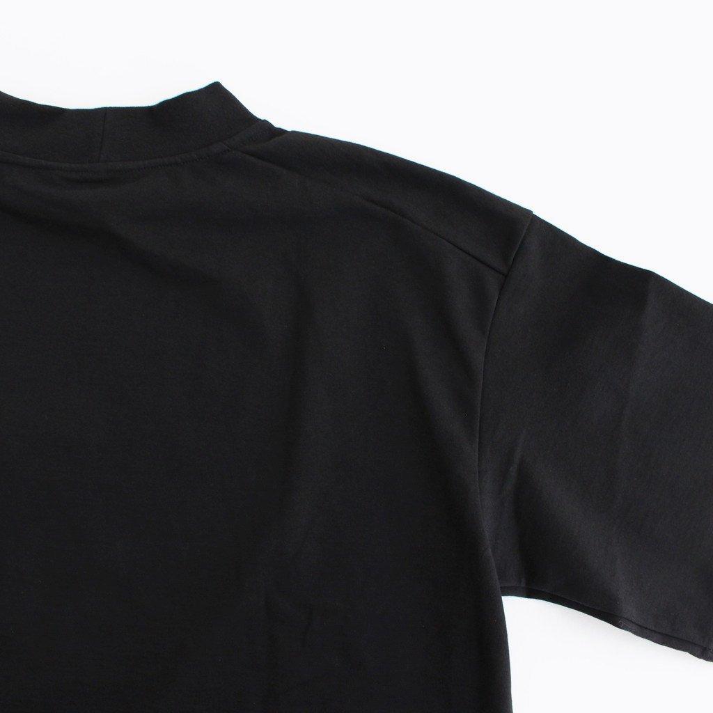 MOCK NECK BOX TEE #BLACK [A52101]