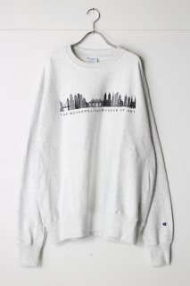 THE MET Cityscape Champion Sweatshirt
