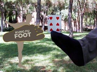 Kung Fu Foot (カンフー・フット) by Hector Mancha