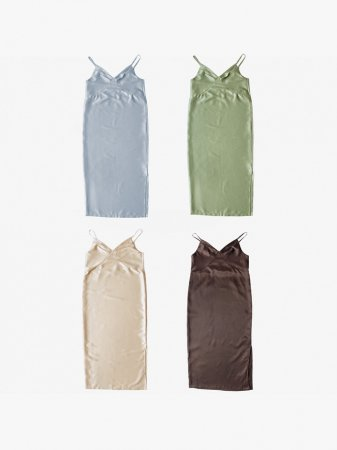 <img class='new_mark_img1' src='https://img.shop-pro.jp/img/new/icons56.gif' style='border:none;display:inline;margin:0px;padding:0px;width:auto;' />MARTE Satin Camisole Onepiece