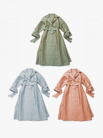 <img class='new_mark_img1' src='https://img.shop-pro.jp/img/new/icons56.gif' style='border:none;display:inline;margin:0px;padding:0px;width:auto;' />MARTE Iridescent Effect Long Coat