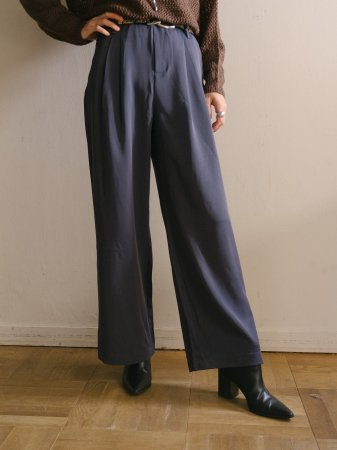 <img class='new_mark_img1' src='https://img.shop-pro.jp/img/new/icons5.gif' style='border:none;display:inline;margin:0px;padding:0px;width:auto;' />Gray Blue Slacks Pants
