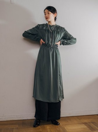 Silky Gather Design Dress / Ocher , Green