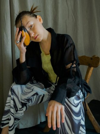 <img class='new_mark_img1' src='https://img.shop-pro.jp/img/new/icons56.gif' style='border:none;display:inline;margin:0px;padding:0px;width:auto;' />MARTE 2Way String Sleeve Sheer Shirt