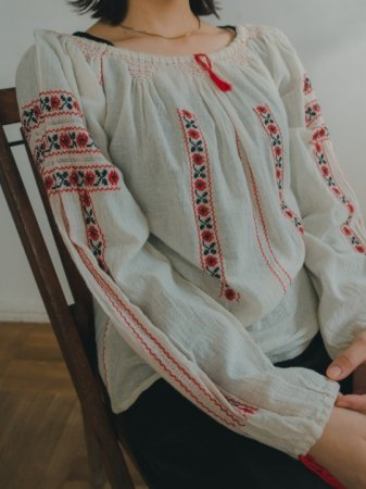 Rumanian Flower Embroidered Blouse