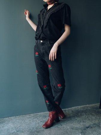 Rose Embroidery Black Denim Pants