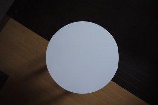 円型リビングテーブル