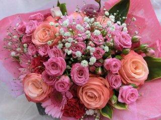 ■ピンクバラとかすみの花束