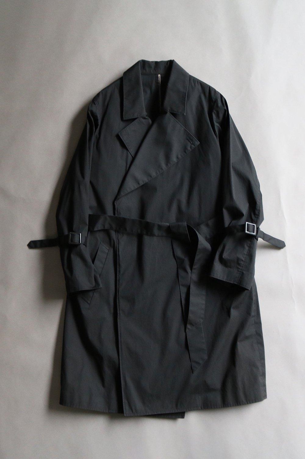 Rainy belted coat