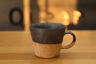 村上躍 黒釉砂化粧マグカップ �