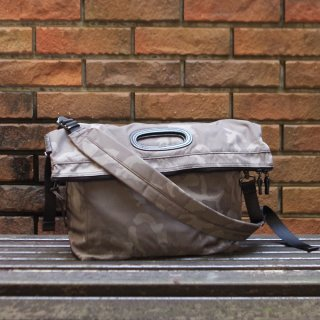 AMIACALVA(アミアカルヴァ) / Gabardine Paper bag camo /  2way ショルダーバッグ