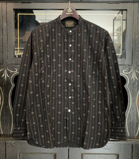 <img class='new_mark_img1' src='https://img.shop-pro.jp/img/new/icons14.gif' style='border:none;display:inline;margin:0px;padding:0px;width:auto;' />HEARTLAND - L/S BAND COLLAR SHIRTS