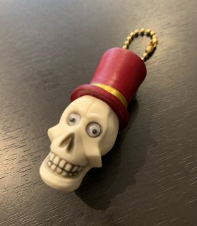 <img class='new_mark_img1' src='https://img.shop-pro.jp/img/new/icons14.gif' style='border:none;display:inline;margin:0px;padding:0px;width:auto;' />Hat skull key chain