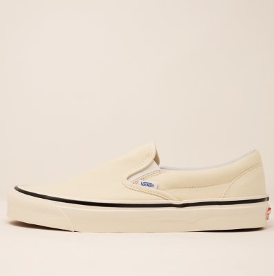 <img class='new_mark_img1' src='https://img.shop-pro.jp/img/new/icons5.gif' style='border:none;display:inline;margin:0px;padding:0px;width:auto;' />VANS [CLASSIC SLIP-ON 98 DX(ANAHEIM FACTORY) OG WHITE] VN0A3JEXU80