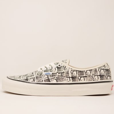 <img class='new_mark_img1' src='https://img.shop-pro.jp/img/new/icons5.gif' style='border:none;display:inline;margin:0px;padding:0px;width:auto;' />VANS [AUTHENTIC 44 DX (ANAHEIM FACTORY) WHITE] VN0A38ENU6D
