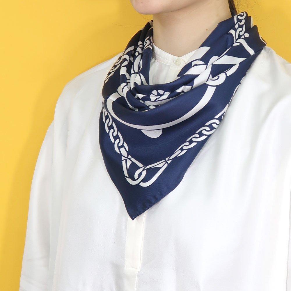 スカーフの巻き方1