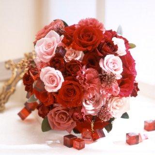 赤バラとオーナメントの」ブーケ
