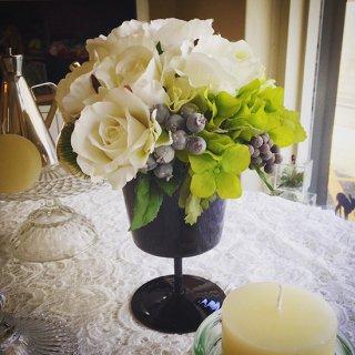 (造花)ゲストテーブル花(器付き)