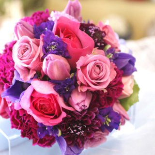 (プリザ)ピンクバラと紫小花のブーケ