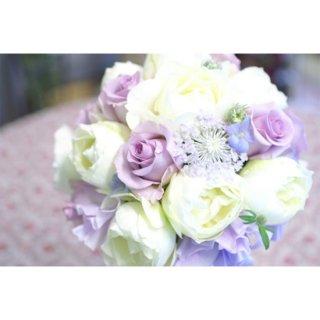 (プリザ)白バラと小花のラウンドブーケ