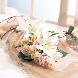 (造花)花束とコサージュ