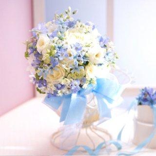 (プリザ)白とブルー小花のリボンブーケ