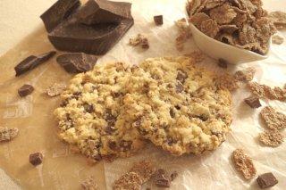 大きいブランフレークとミルクチョコの  クッキー(1枚入)