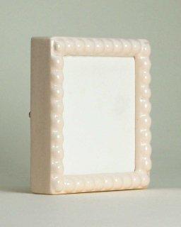 丸玉彫乳白【正方形】(M-11)