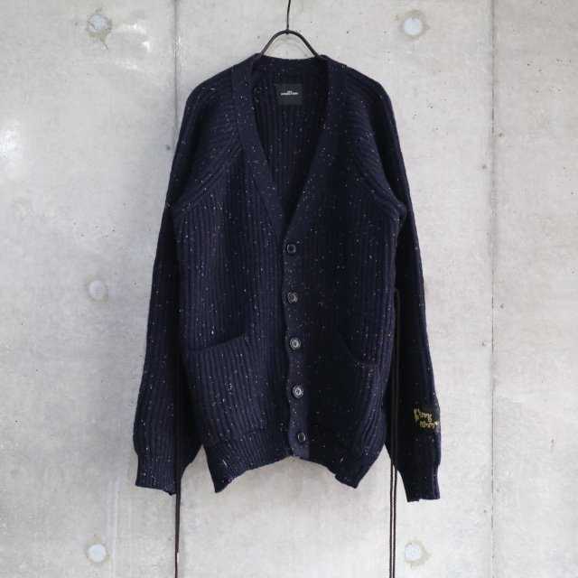 <img class='new_mark_img1' src='https://img.shop-pro.jp/img/new/icons11.gif' style='border:none;display:inline;margin:0px;padding:0px;width:auto;' />SYU HOMME/FEMM Laceup Knit Cardigan NAVY