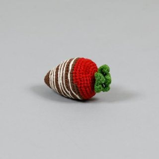 <img class='new_mark_img1' src='https://img.shop-pro.jp/img/new/icons5.gif' style='border:none;display:inline;margin:0px;padding:0px;width:auto;' />CROCHET STRAWBERRY / WARE OF THE DOG(クローシェ・ストロベリー / ウェアオブザドッグ)