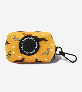<img class='new_mark_img1' src='https://img.shop-pro.jp/img/new/icons5.gif' style='border:none;display:inline;margin:0px;padding:0px;width:auto;' />DACHSHUND CREW DOGS POOPBAG HOLDER / PABLO & CO.