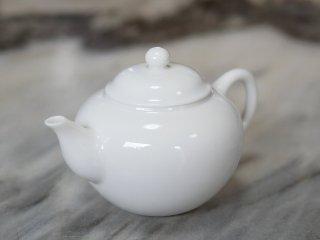 <img class='new_mark_img1' src='https://img.shop-pro.jp/img/new/icons6.gif' style='border:none;display:inline;margin:0px;padding:0px;width:auto;' />三希 牙白 茶壺