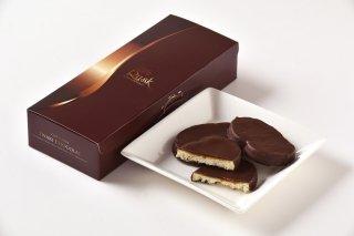 <b>濃厚チョコラスク</b><br>チョコ×生キャラメル×塩+さくさくラスク。思わずあとひく新食感スイーツ。