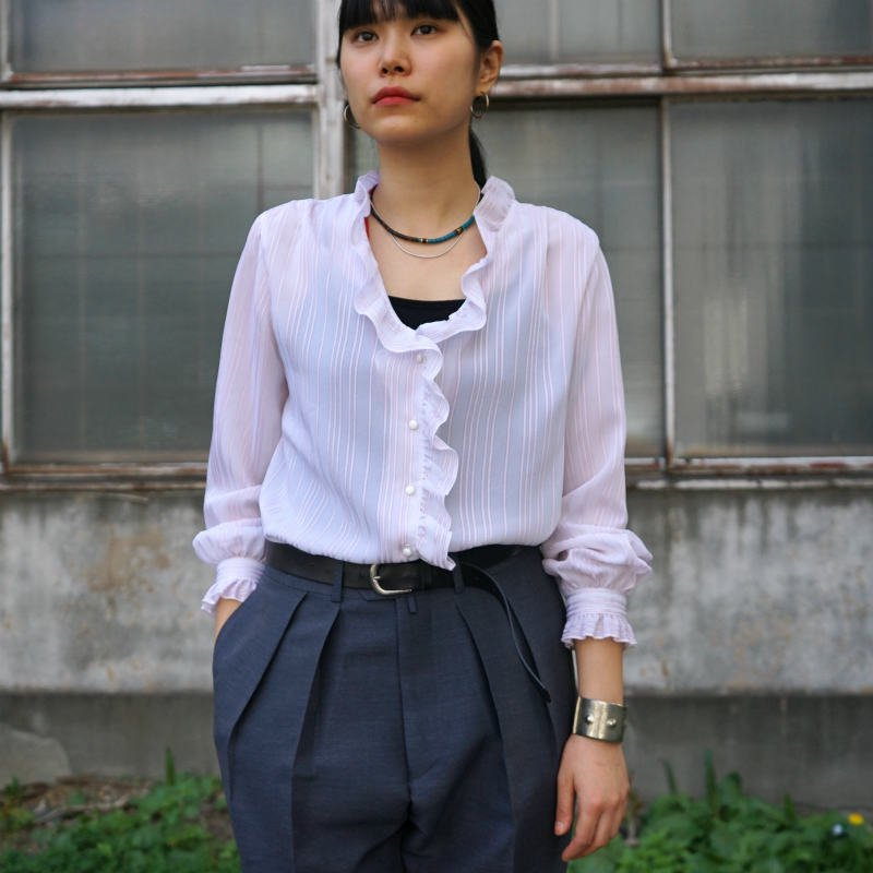 <img class='new_mark_img1' src='https://img.shop-pro.jp/img/new/icons6.gif' style='border:none;display:inline;margin:0px;padding:0px;width:auto;' />[MaW VINTAGE] Stripe Frill Blouse.