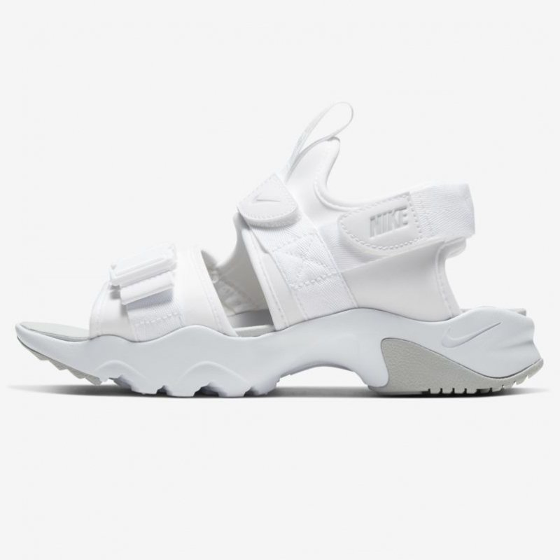 <img class='new_mark_img1' src='https://img.shop-pro.jp/img/new/icons24.gif' style='border:none;display:inline;margin:0px;padding:0px;width:auto;' />[SALE] [NIKE] WMN CANYON SANDAL CV5515-101(ホワイト/グレーフォグ)