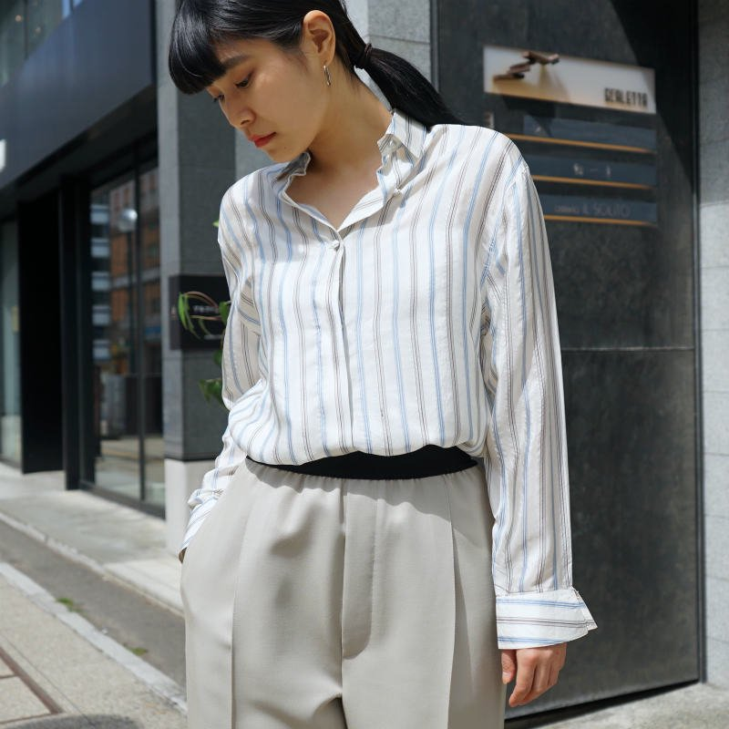 <img class='new_mark_img1' src='https://img.shop-pro.jp/img/new/icons6.gif' style='border:none;display:inline;margin:0px;padding:0px;width:auto;' />[MaW VINTAGE] Silk Stripe Blouse