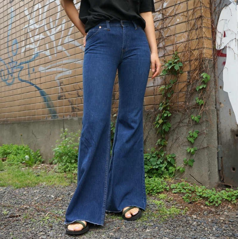 <img class='new_mark_img1' src='https://img.shop-pro.jp/img/new/icons6.gif' style='border:none;display:inline;margin:0px;padding:0px;width:auto;' />[MaW VINTAGE] Levi's 717 Denim Pants