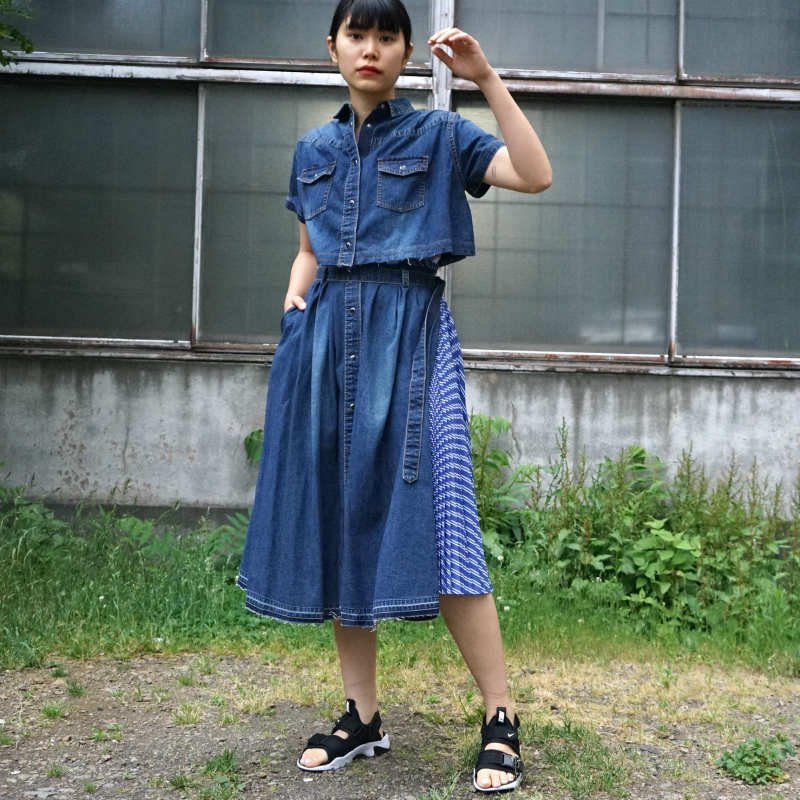 <img class='new_mark_img1' src='https://img.shop-pro.jp/img/new/icons24.gif' style='border:none;display:inline;margin:0px;padding:0px;width:auto;' />[SALE][sacai] サカイ 20-04930 Denim Shirt Dress(Blue)