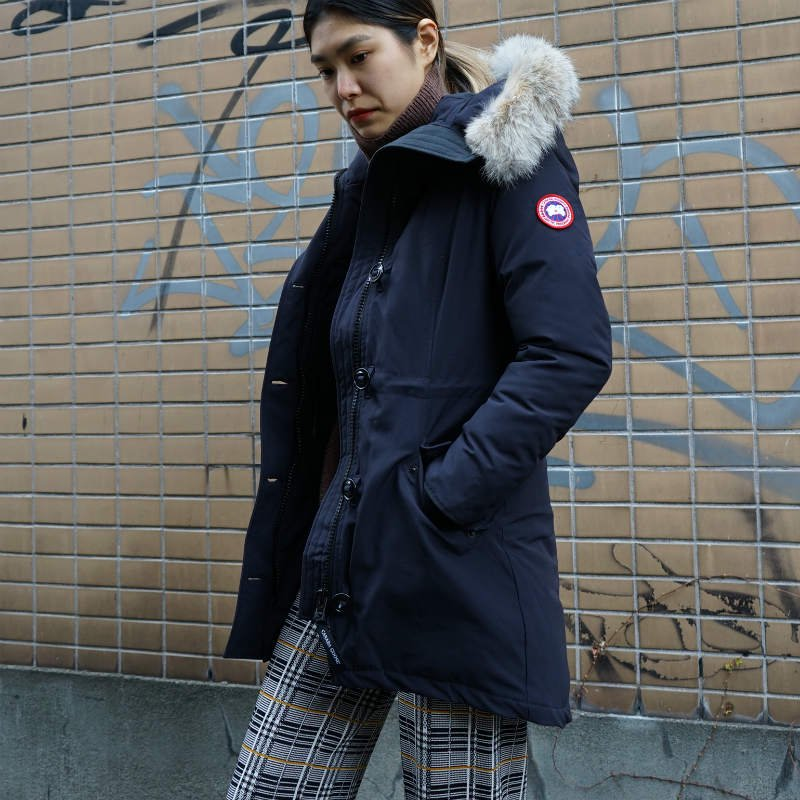 <img class='new_mark_img1' src='https://img.shop-pro.jp/img/new/icons6.gif' style='border:none;display:inline;margin:0px;padding:0px;width:auto;' />[CANADA GOOSE] カナダグース ROSSCLAIR PARKA FF 2580LA (NAVY)